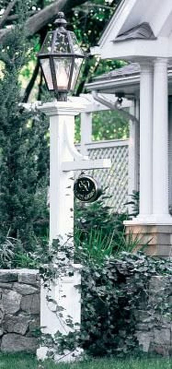 Stunning Outdoor Lamp Posts For Front Yards Decor 30