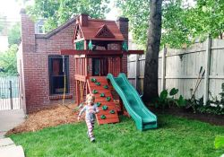Swing Set For Small Backyard