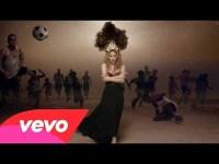 Shakira – La La La (Brazil 2014) ft. Carlinhos Brown – YouTube