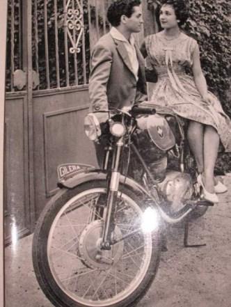 Memoria Narrante, moto e innamorati, foto web
