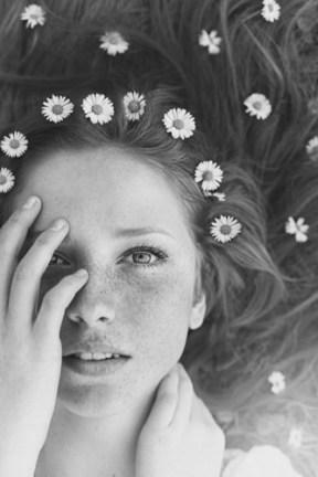 memoria-narrante-ragazza-in-fiore-foto-web-v