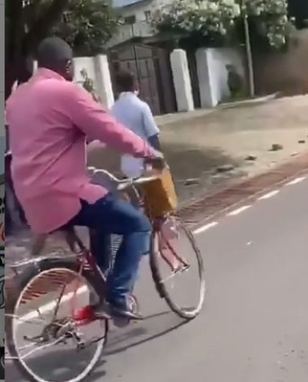 John Dumelo Captured Riding Bicycle In Ayawaso To Campaign. 7