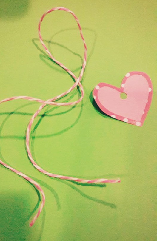 cut a heart shape tag