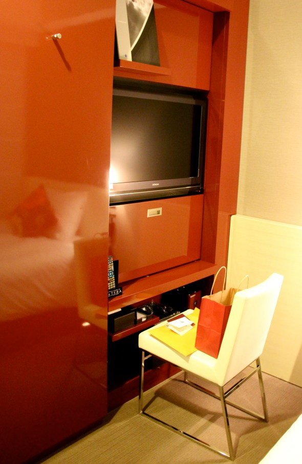 all rooms come with a flat screen TV and free internet connection
