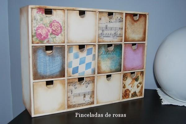 Mini comoda vintage pinceladas de rosas - Muebles de madera sin tratar ...