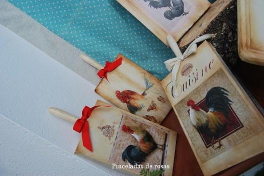 Mis tablas de mcocina decoradas gallos-gallinas (1)