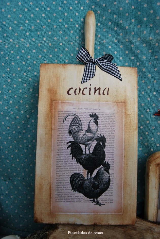 Mis tablas de mcocina decoradas gallos-gallinas (10)