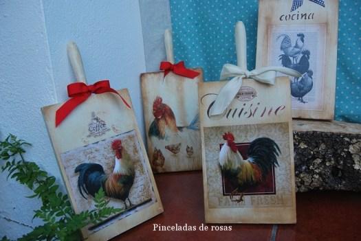 Mis tablas de mcocina decoradas gallos-gallinas (15)