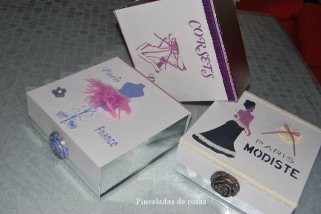 Cajas de cartón plateadas (3)