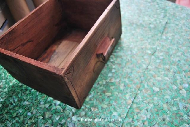 Cajón con papel pintado (8)