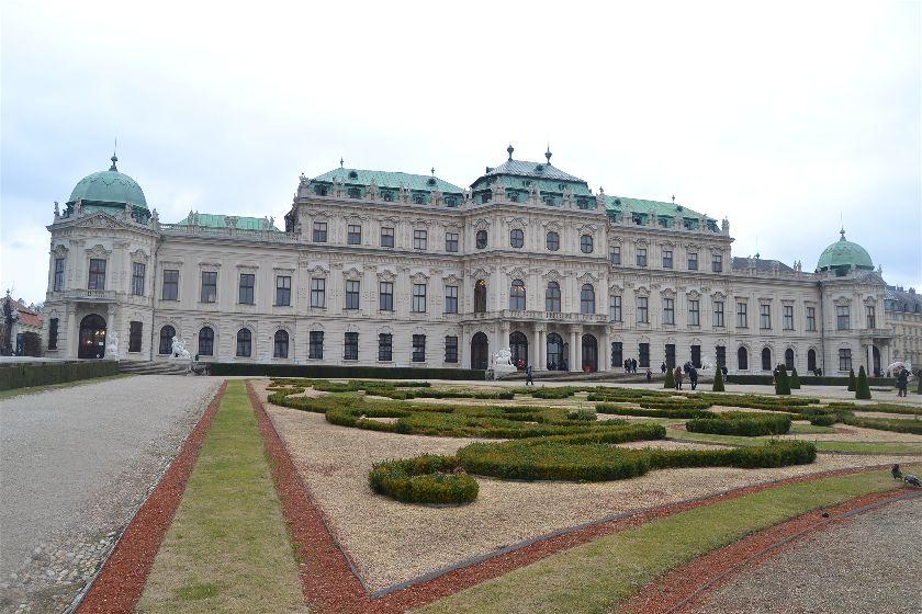 Diario Viena – Diciembre 2016: Días 3,4: Palacio Schönbrunn, Belvedere, Prater, Museums Quartier, Naschmarkt, Karlskirche, Opera