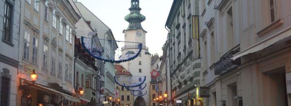 Diario Bratislava – Diciembre 2016: Castillo, Catedral de San Martín, Ópera, Ayuntamiento, Puerta de San Miguel