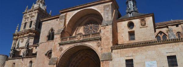 Burgo de Osma (Soria): Viaje al románico