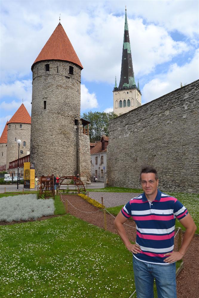 Tornilde Valjak, Tallin, Estonia