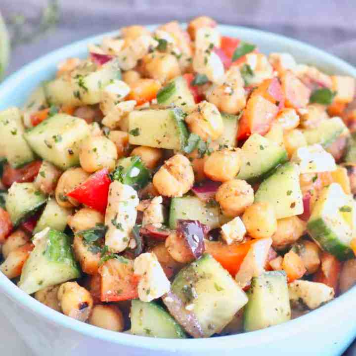 Mediterranean Roasted Chickpea Salad