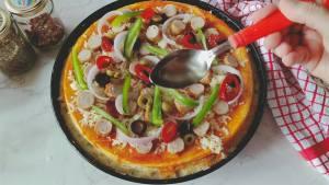 Chicken sausage pizza