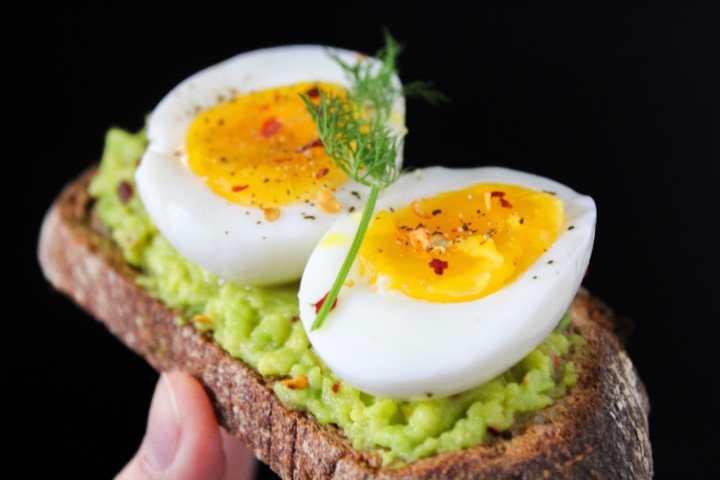black-background-boiled-egg-boiled-eggs-824635.jpg