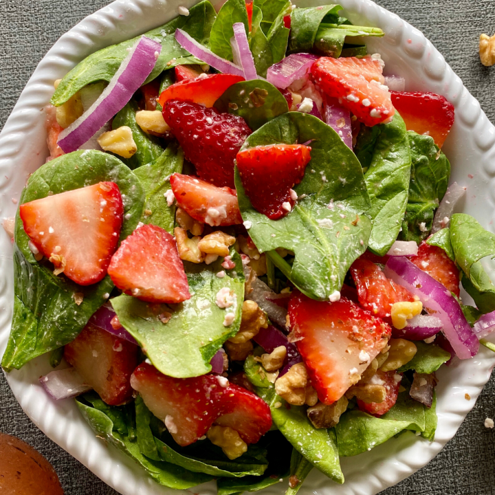strawberry spinach and walnut salad