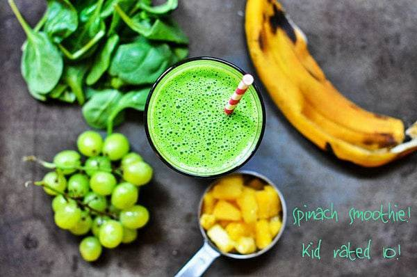 Spinach smoothie with grapes, spinach, and a banana.