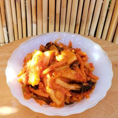 daikon radish kimchi dish