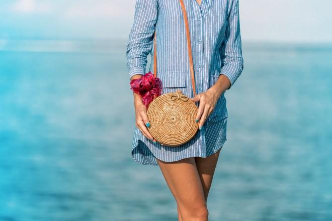 Woman wearing a cotton shirt