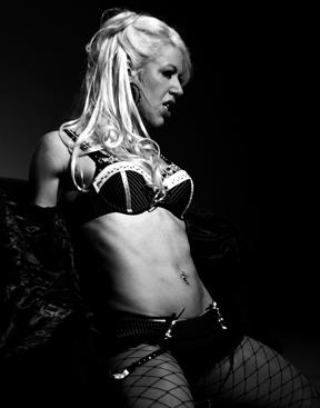 Angelique live (Photo: Matt Adamik)