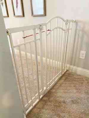 baby-gates-for-difficult-stairs-upstairs