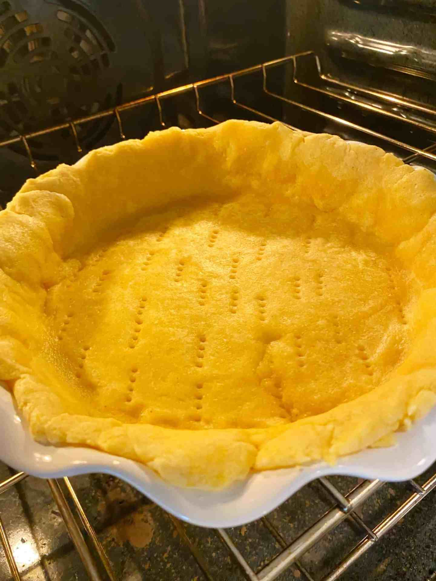 Tomato-Pie-bake-crust