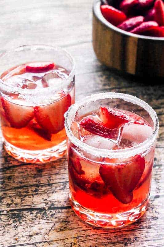 strawberry-gin-smash-two-glasses