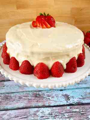 Strawberry-Cake-side-view