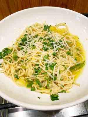 corleone-family-cookbook-spaghetti-with-olive-oil-1