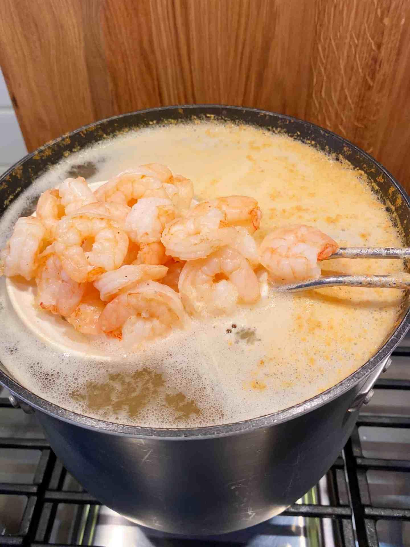 cooked-shrimp-in-lemon-water
