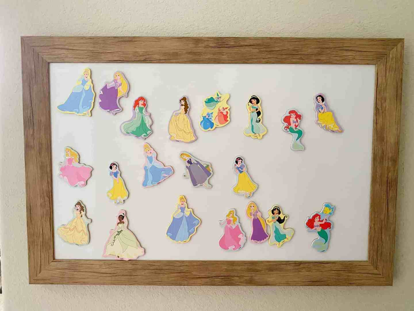 wooden-framed-magnetic-board-disney-princess-magnets