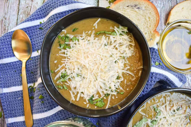 Slow-Cooker-Lentil-Soup-Easy