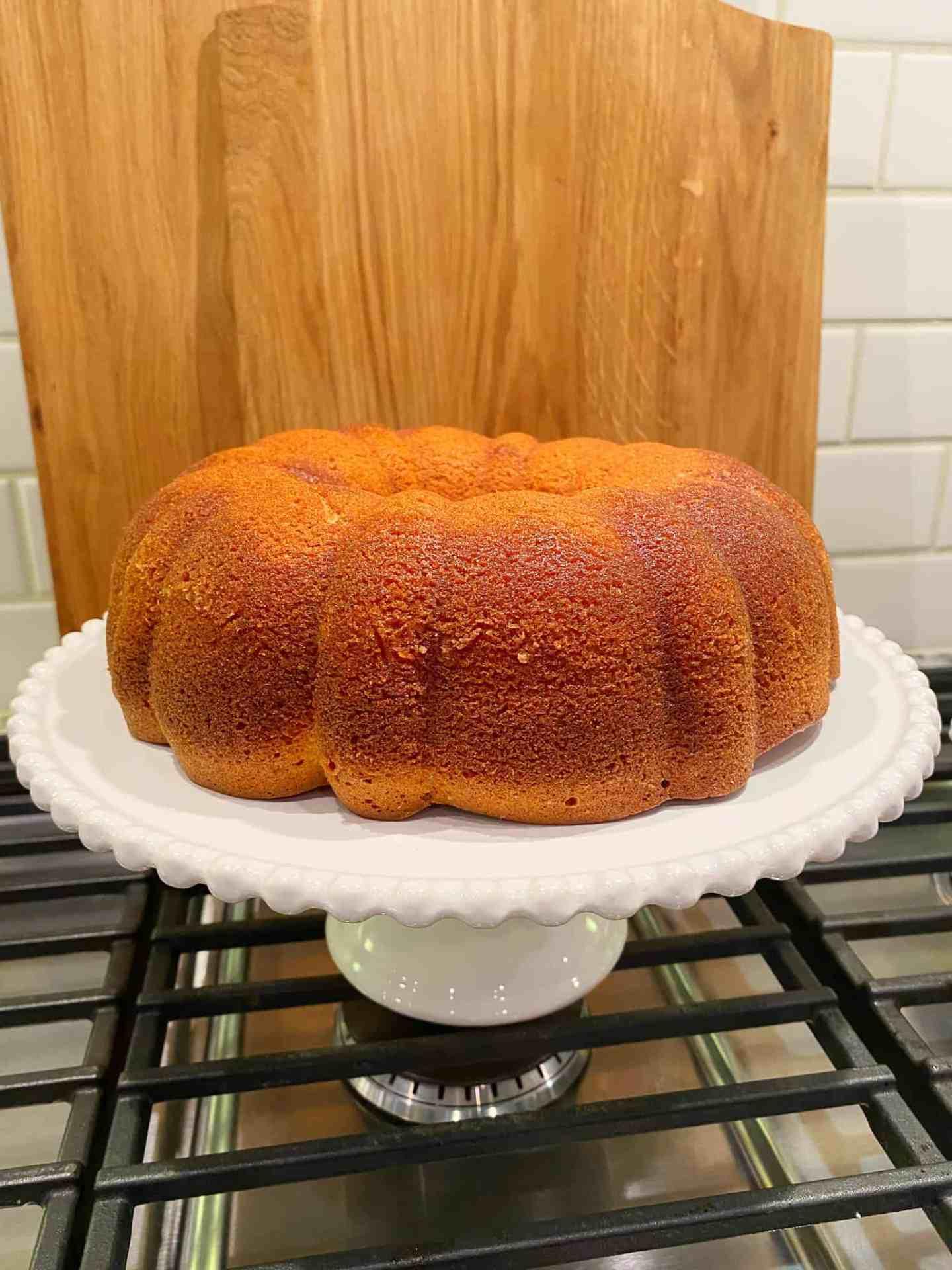 invert-cake-onto-stand