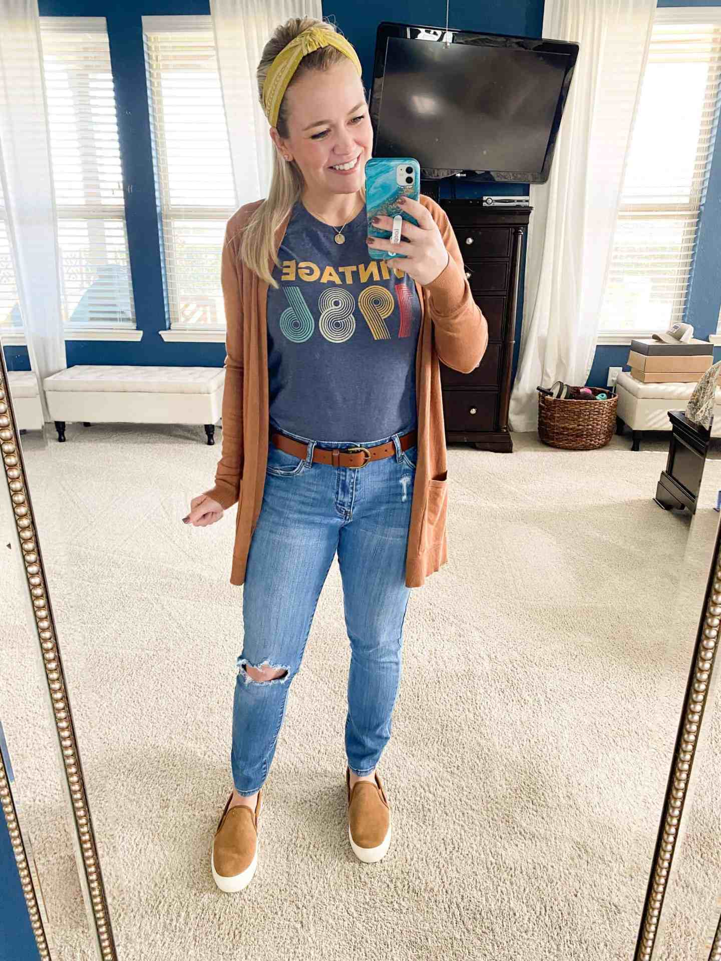 casual-mom-outfit-women