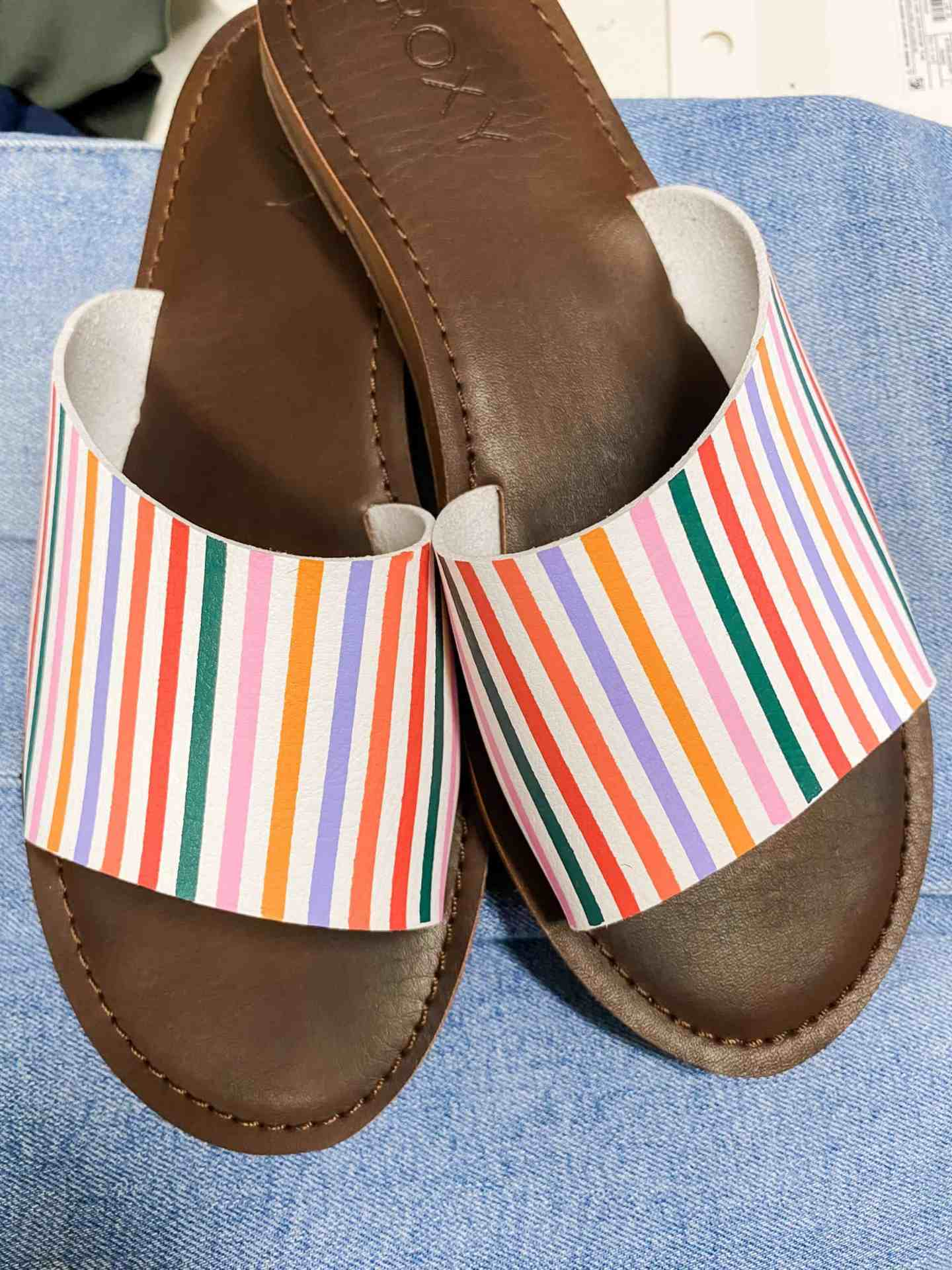 roxy-mutlicolor-sandals