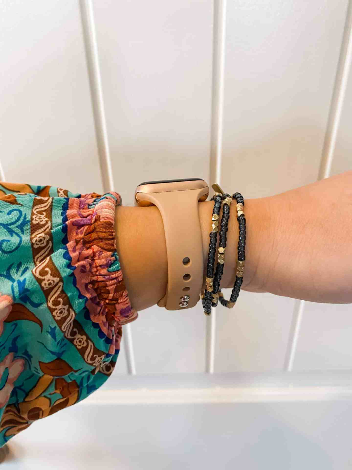 slim-apple-watch-band-side-view