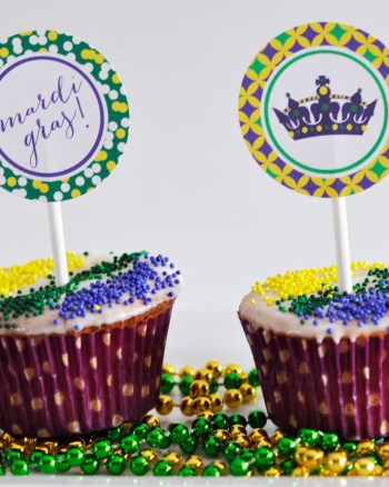 Mardi Gras King Cake Cupcakes with Free Printable Cupcake Toppers by Pineapple Paper Co.
