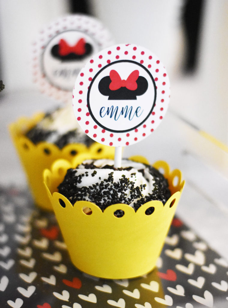 DIY Minnie Mouse Cupcake Toppers