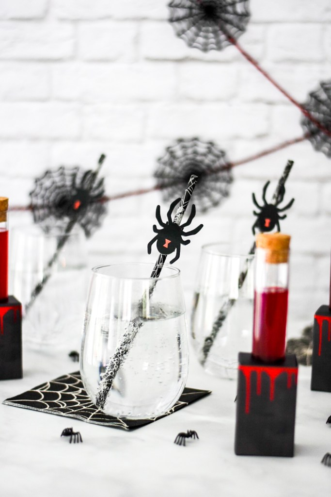 How to Make Easy Poison Spider Halloween Drinks and Cocktails by Pineapple Paper Co.