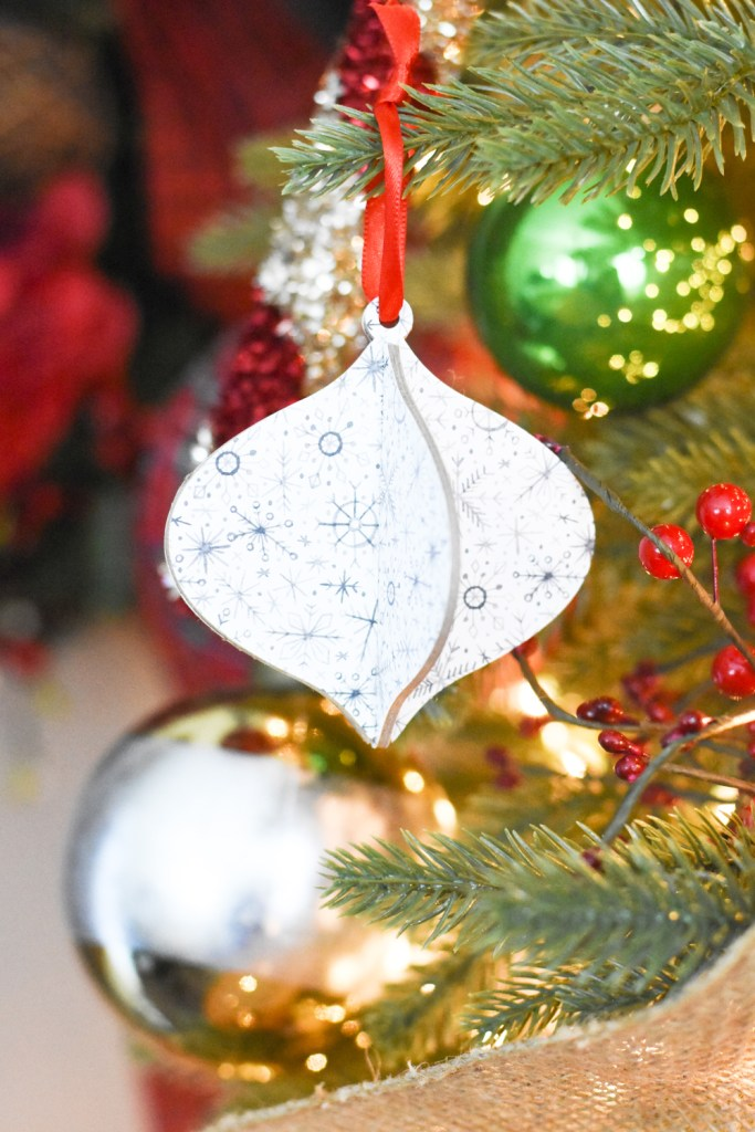 How to Make your Own Christmas Ornaments with the Cricut Maker by Pineapple Paper Co.