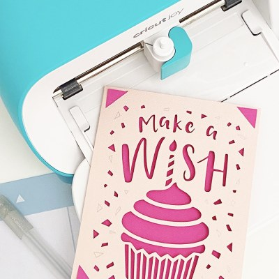 How to Make a Greeting Card with the Cricut Joy