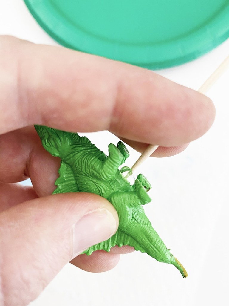 Easy DIY Dinosaur Cupcake Toppers for a Dinosaur Birthday Party by Pineapple Paper Co.