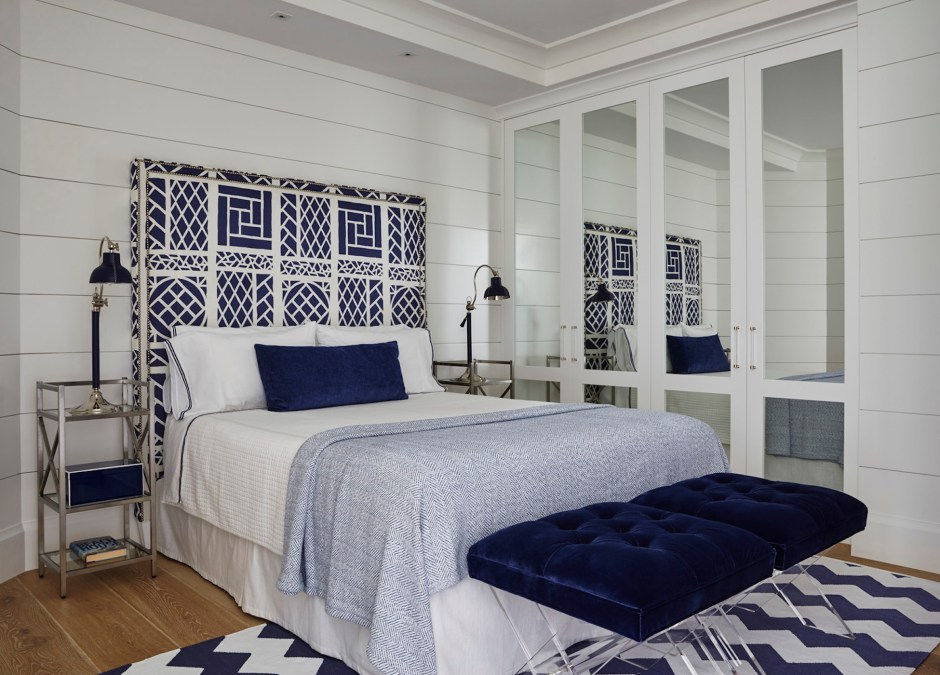 How To Create A Navy + White Bedroom - The Pineapple Girls