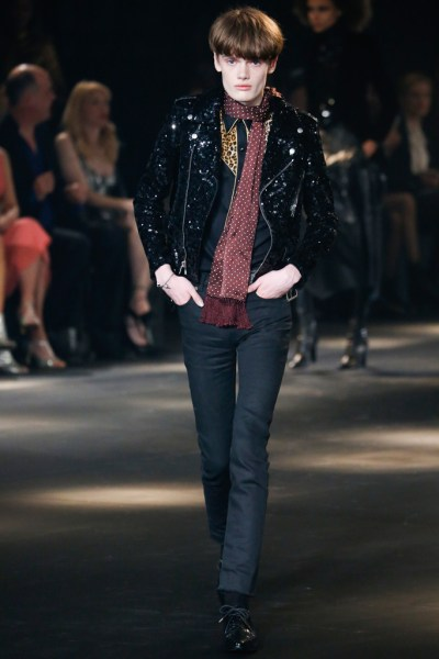 SAINT LAURENT 2016FW photo by http://www.vogue.co.jp/popup_collection/saintlaurent/16-prefall/runway#12