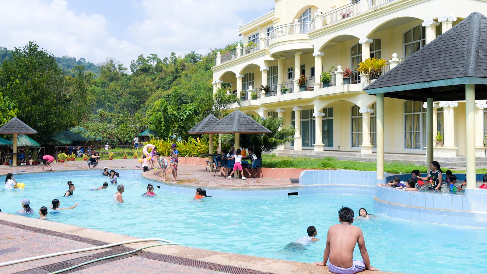 温泉にいこう!街から30分で行けるAsin Hot Springs【バギオで週末なにをする?】