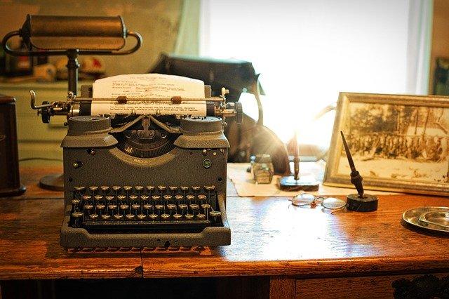 tips menulis artikel dan ruang kerja penulis