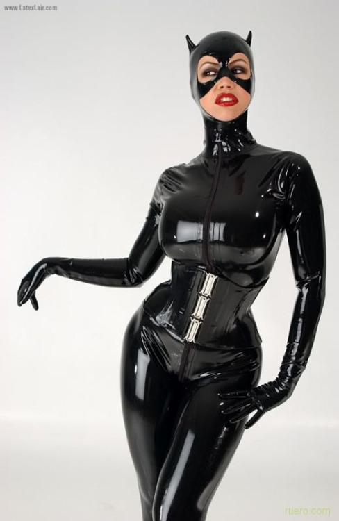 Bianca Beauchamps Catwoman (2)