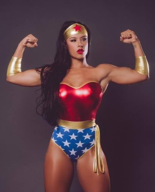 sue lasmar Wonder Woman 461698446